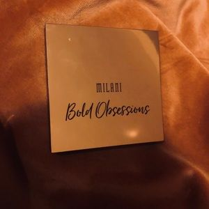 Milani bold obsessions eyeshadow pallet